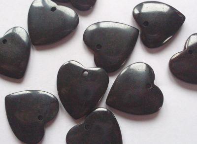 Bone Heart Pendant Black x1