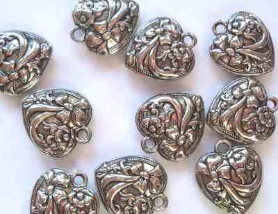 Antique Silver Patterned Heart Pendant x1