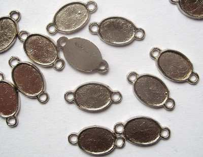 Oval Picture Frame Small Charm Link x1